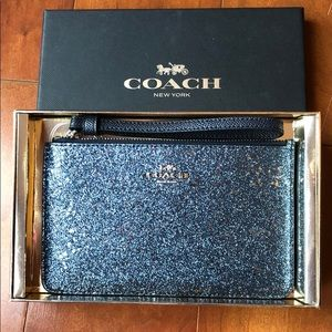 NWT BOXED STAR GLITTER WRISTLET, MIDNIGHT